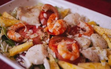 ensaladas de pescado y marisco congelado