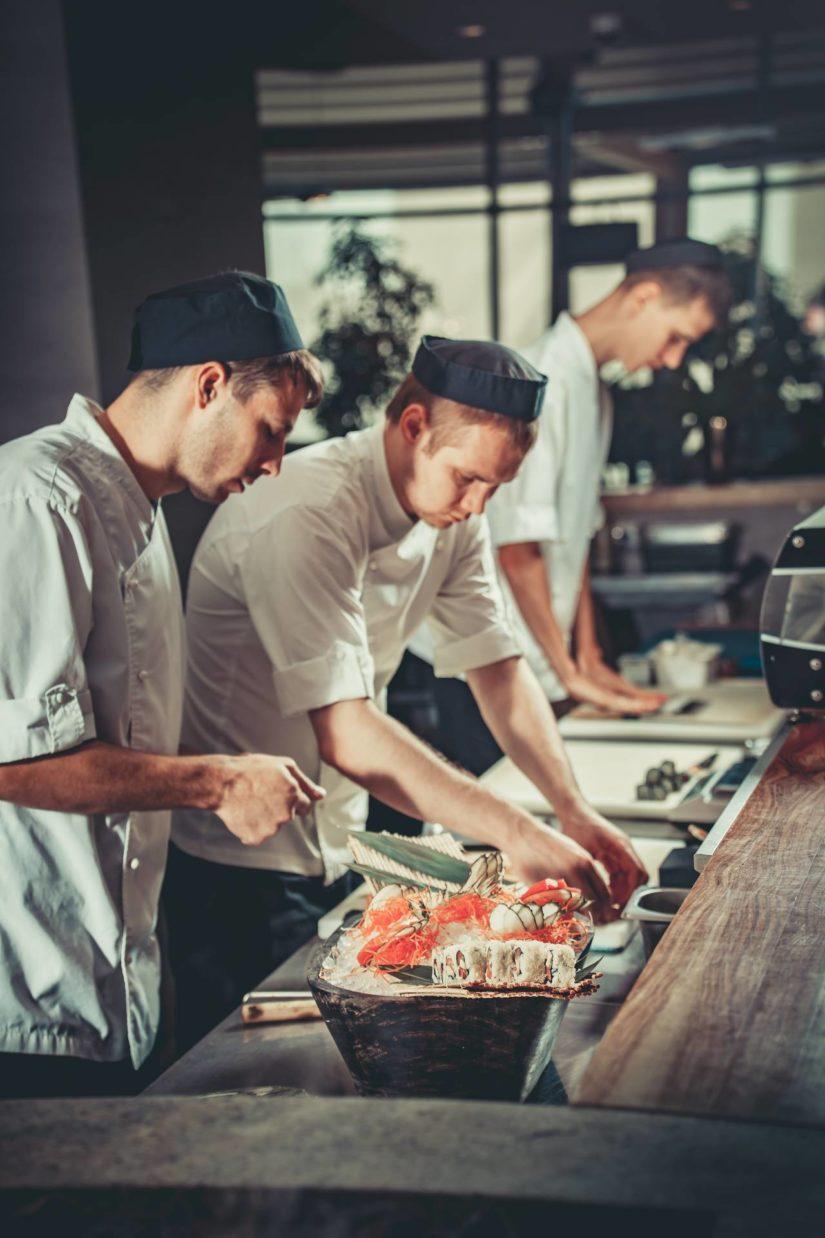 Productos Congelados Para Hosteleria Preparando Sushi